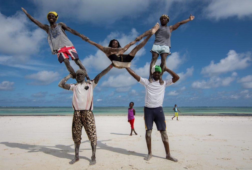 acrobat-boys