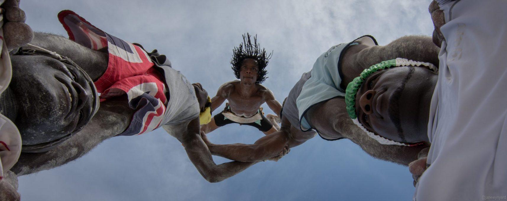 acrobats-diani-2